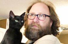 История о спасенном коте, который дарит своему хозяину спокойствие